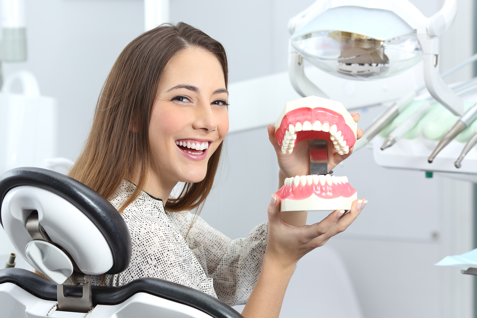 The Difference Between Full and Partial Dentures