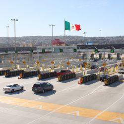 ¿Puedo cruzar la frontera para visitar a mi dentista en Tijuana durante el cierre de COVID-19?